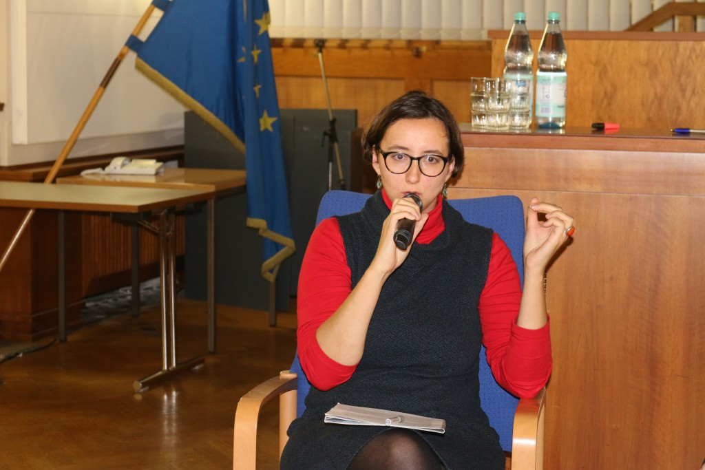 Oleksandra Bienert berichtet über die Menschenrechtslage in der Ostukraine